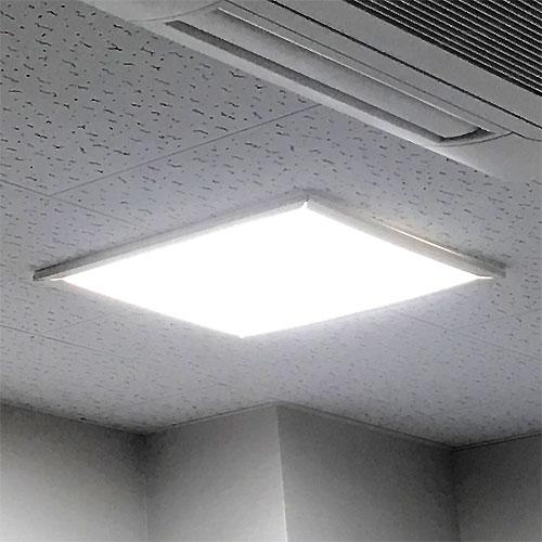 スクエア型LED照明
